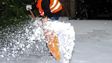 Handarbeit Winterdienst